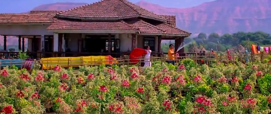 Traditional Tamil House (Chennai Express Movie) Photo: T-Series