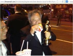 Ang Lee with Oscar....Yes! chinese/Taiwanese also eat some foods with hands!!