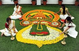Onam-Kolam-Kerala-Rangoli-India-Hinduism