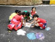Rangoli-Hindu-Ladies-India