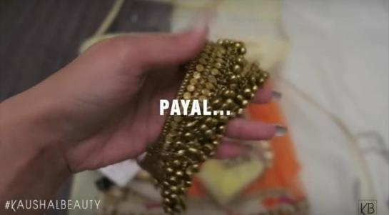 9-Payal-Hindu-Diwali-Make-up-Fashion-Indian-Women-FEstival