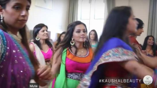 Hindu-Diwali-FEstival-Navratri-Dance-1