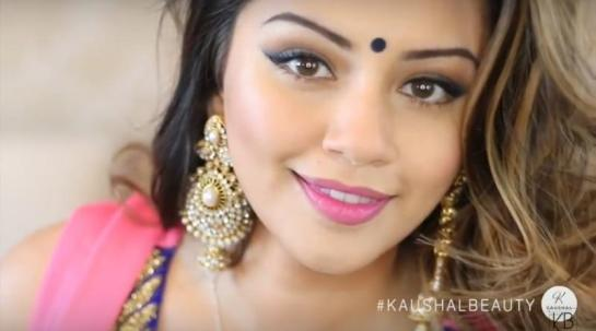 Hindu-Diwali-Make-up-Fashion-Indian-Women-FEstival (12)