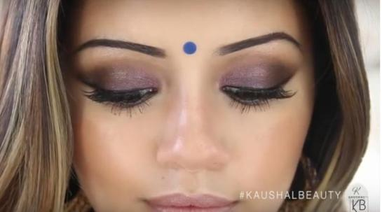 Hindu-Diwali-Make-up-Fashion-Indian-Women-FEstival (15)